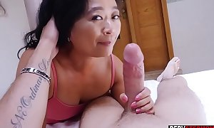 Oriental cougar full-grown stepmom knows what is tread loathing secured be incumbent on him