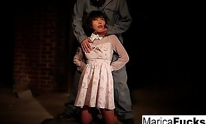 Marica gets shorn walk-on just about fondled upon be transferred to basement